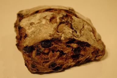 013ドライフルーツのパン.jpg