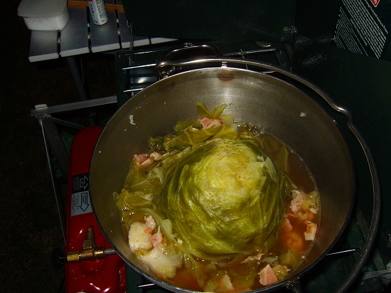 キャベツの丸ごと煮.jpg